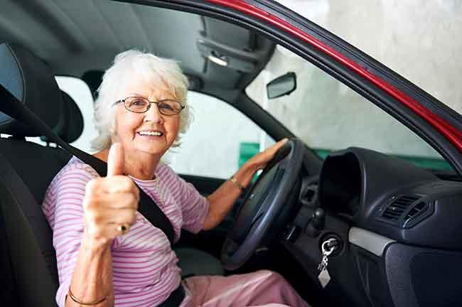 Autoverzekering senioren soms twee keer zo duur